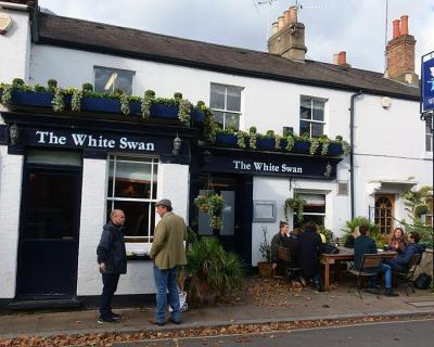 White Swan, Richmond